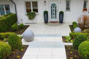 Eingangsbereich gestalten garten  Büscher Gartenbau - Dienstleistungen für Ihren Privatgarten